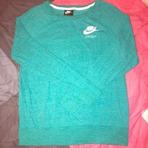 Women's Nike Long Sleeve Shirt Size Large